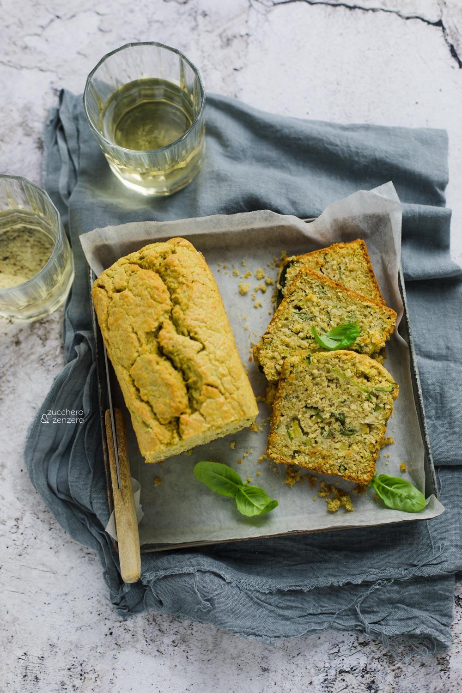 Cake salato con zucchine e pesto