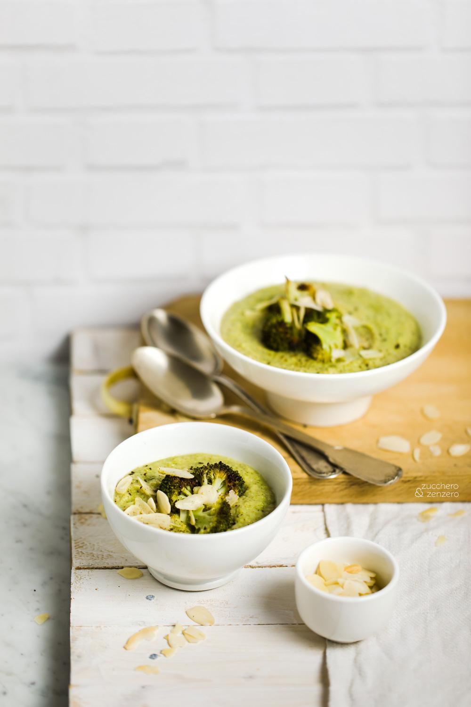 Vellutata di broccoli arrostiti, cannellini e mandorle