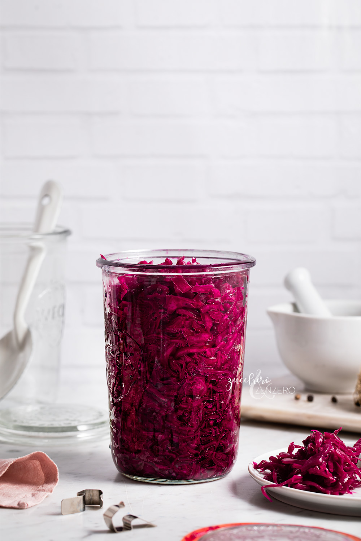 Come fare i crauti (sauerkraut o cavolo fermentato)